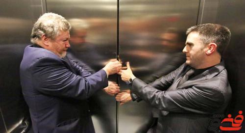 گیر-کردن-در-آسانسور-باز-کردن-در-آسانسور
