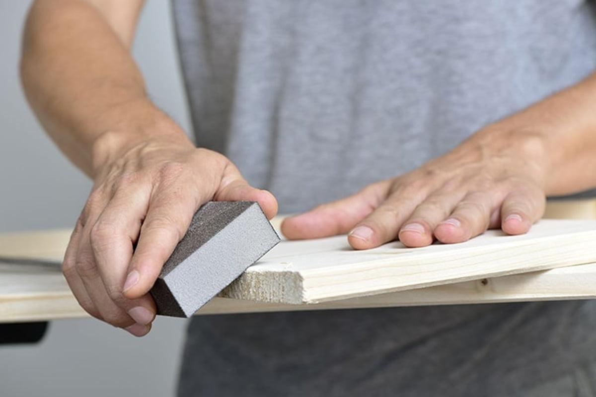 آستر زدن چوب,پرداخت کاری چوب,رنگ آمیزی چوب,